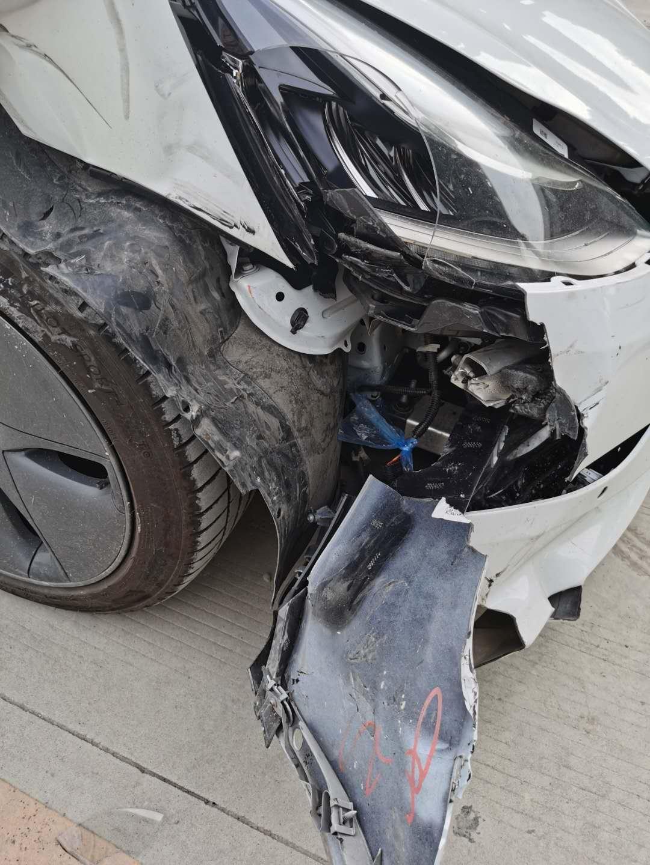 特斯拉Model3自动驾驶(FSD)突然加速撞向货车【7.15更新,南昌特斯拉失控车主等多人维权】